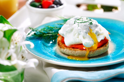 "Celebrate mom this Mother's Day and beyond with heart-smart brunch recipes by Ellie Krieger, M.S., R.D., host of the Cooking Channel's ""Healthy Appetite."" Her ""Mother's May the Healthy Way"" recipes, such as Smoked Salmon Eggs Benedict with Creamy Dill Caper Sauce, are all made with canola oil and found at www.canolainfo.org."