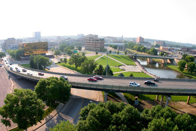Downtown Sioux Falls with a segment of the $8 million Sioux River Greenway Project to the right.  (PRNewsFoto/Sioux Falls Development Foundation)