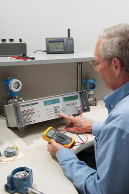 Fluke Calibration Temperature and Pressure Priority Gold CarePlans minimize downtime and protect users' investment in Fluke calibrators.  (PRNewsFoto/Fluke Calibration)