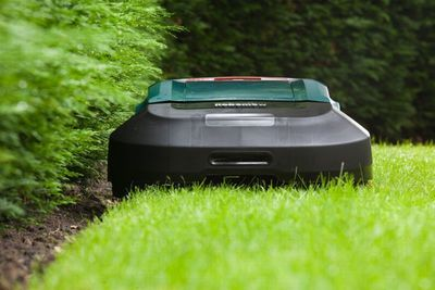 Robomow Launches New Robotic Lawn Mower RS630 for Domestic Lawns of up to 3000m[2]