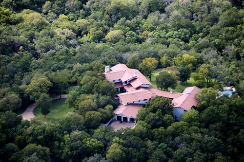 February 12th No Reserve Auction of 5-Acre Austin Estate by Concierge Auctions, TarrytownAuction.com.  (PRNewsFoto/Concierge Auctions)