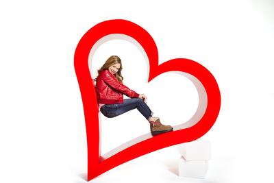 "I Heart UGG ""Knotty"" boot. (PRNewsFoto/UGG Australia)"
