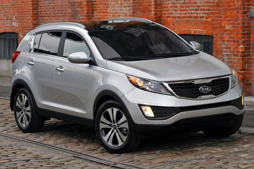 The 2014 Kia Sportage is one of the most equipped utility vehicles for winter driving. (PRNewsFoto/Bill Jacobs Automotive Group) (PRNewsFoto/BILL JACOBS AUTOMOTIVE GROUP)