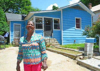 A Special Needs Assistance Program grant from the Federal Home Loan Bank of Dallas (FHLB Dallas) and RiverHills Bank helped fund repairs to the roof and ceiling of Laura Jones' home in Vicksburg, Mississippi.