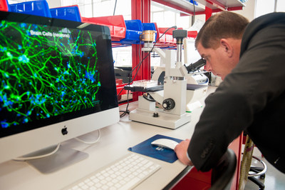 Boston Mayor Martin J. Walsh viewed beating heart cells created with induced pluripotent stem cell technology during a tour of ORIG3N's new regenerative medicine lab.