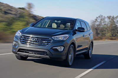 HYUNDAI ANNOUNCES SANTA FE PRICING. (PRNewsFoto/Hyundai Motor America) (PRNewsFoto/HYUNDAI MOTOR AMERICA)