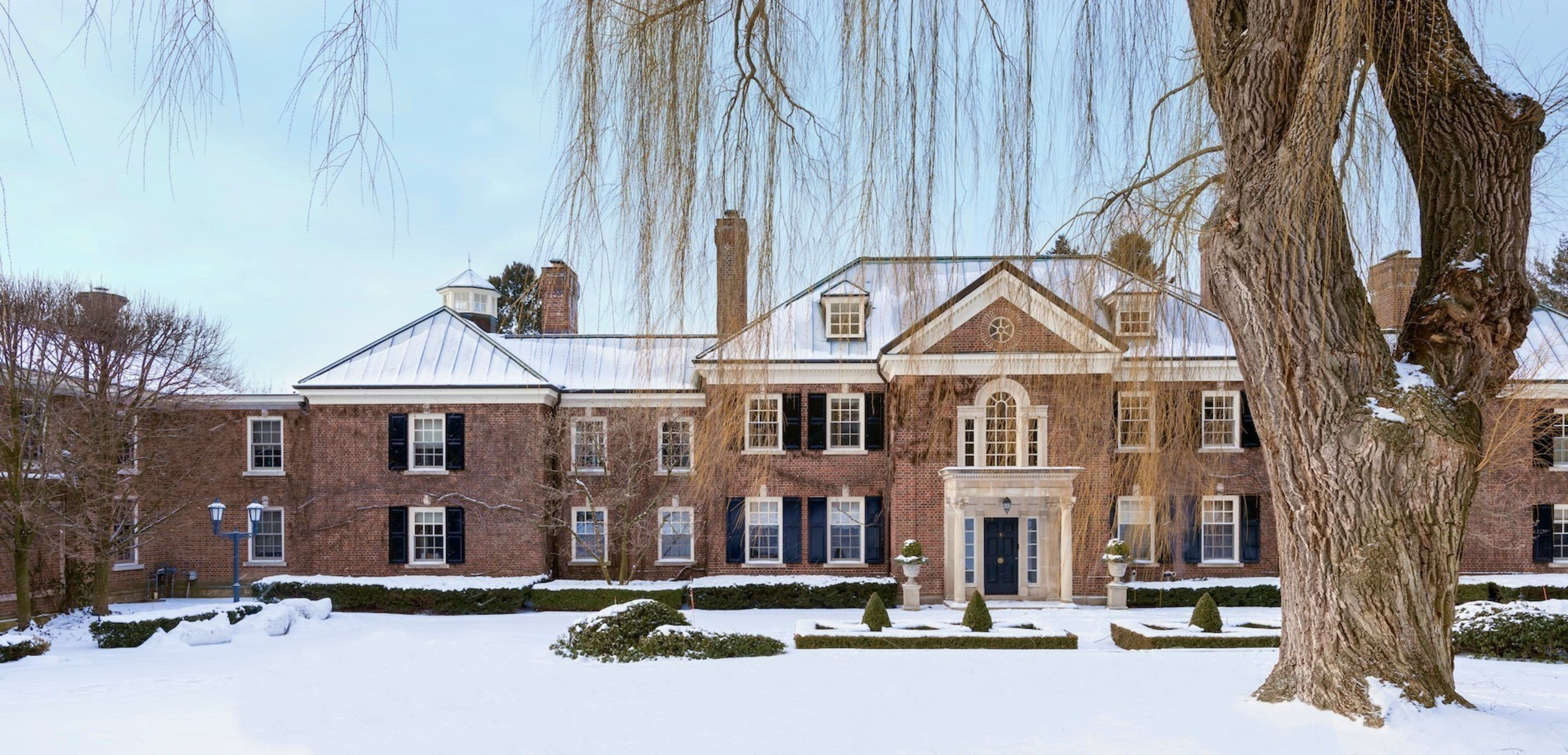 Magnificent Toronto Mansion - One Of The Finest And Most Renowned Homes In Canada - Offered For