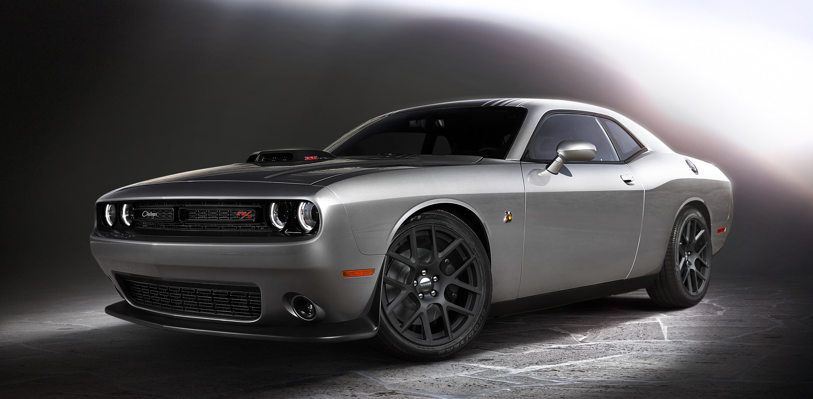 Dodge is Shaking up the Muscle Car Segment Again; Opens Orders for New 2015 Challenger 'Shaker' Models