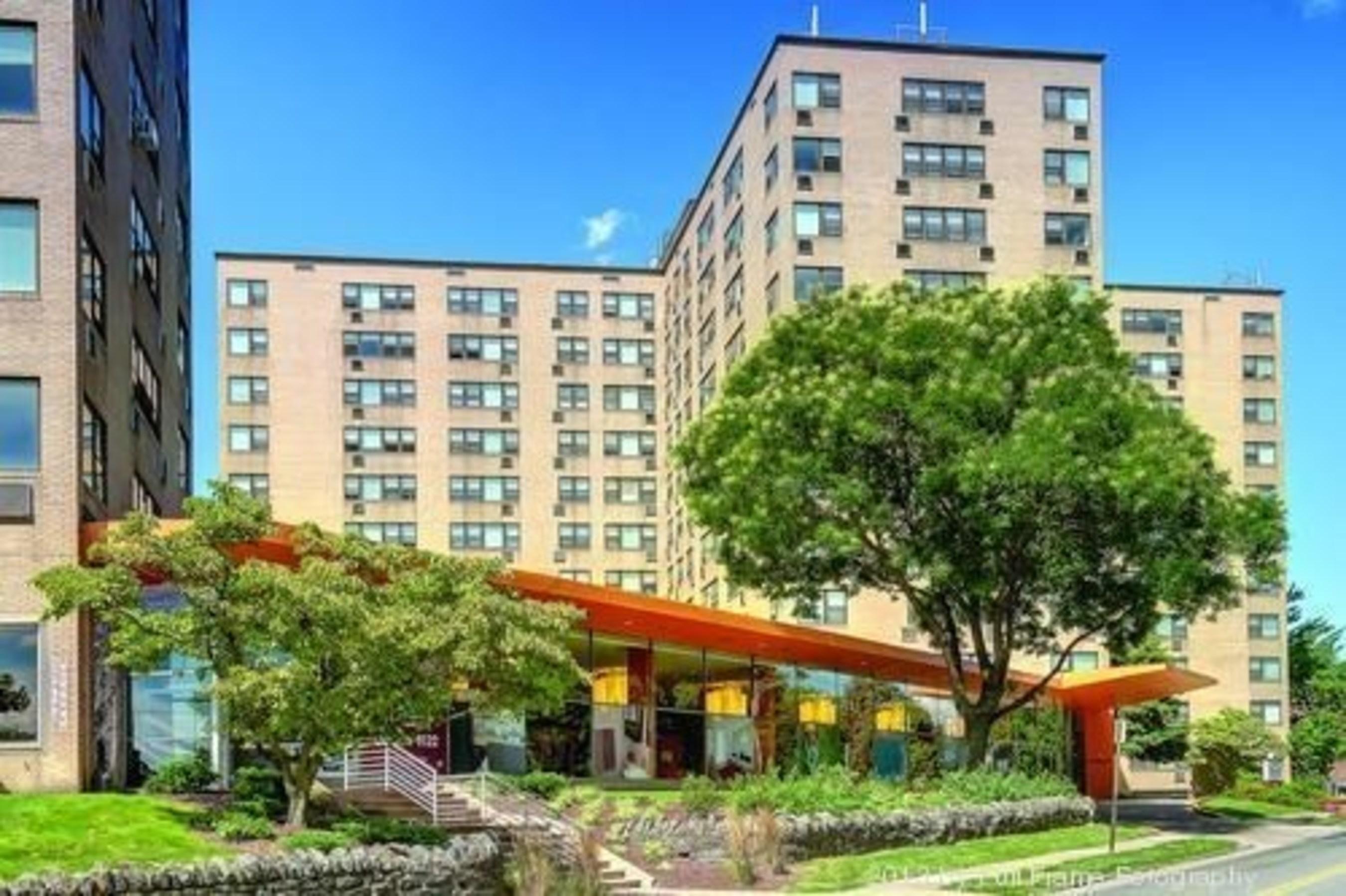 GoldOller Acquires 500 Unit Charter Court Apartments