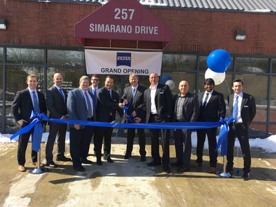 ZEISS management and local team celebrate grand opening of new metrology service center in Marlborough, Massachusetts with official ribbon cutting in April.