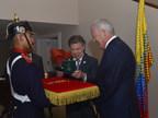 Weber Shandwick Chairman Jack Leslie receives the Orden de San Carlos medal from Colombia President Juan Manuel Santos. Credit: Presidencia de la Republica de Colombia