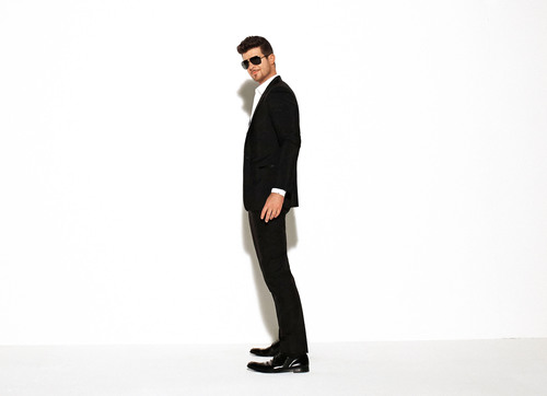 Recording sensation Robin Thicke and his hit single 'Blurred Lines' star in a new TV spot for the Beats  ...