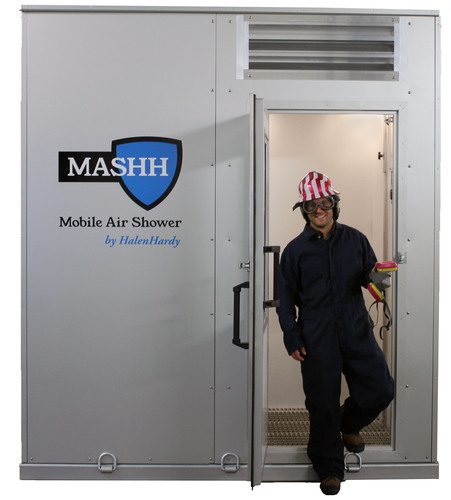 MASHH Mobile Air Shower by HalenHardy Wins Inaugural Environmental, Health & Safety Shale Innovation Award at Shale Insight. (PRNewsFoto/HalenHardy, LLC) (PRNewsFoto/HALENHARDY, LLC)