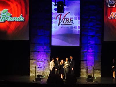 Don and Dottie Duchesneau Receiving VIBE award in Las Vegas.  (PRNewsFoto/Natural Brands, Inc.)