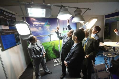 Seek for innovations and solutions at Ecobuild SEA / ICW 2014 (Photo: Ecobuild SEA 2013)  (PRNewsFoto/UBM Asia ...