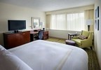 Redefining comfort, class and convenience, the new rooms at the Boston Marriott Peabody EW designed to appeal to today's millennial traveler. The rooms boast the soft green and brown tones as well as organic textures. For information, visit www.PeabodyMarriott.com or call 1-978-977-9700. (PRNewsFoto/Boston Marriott Peabody)