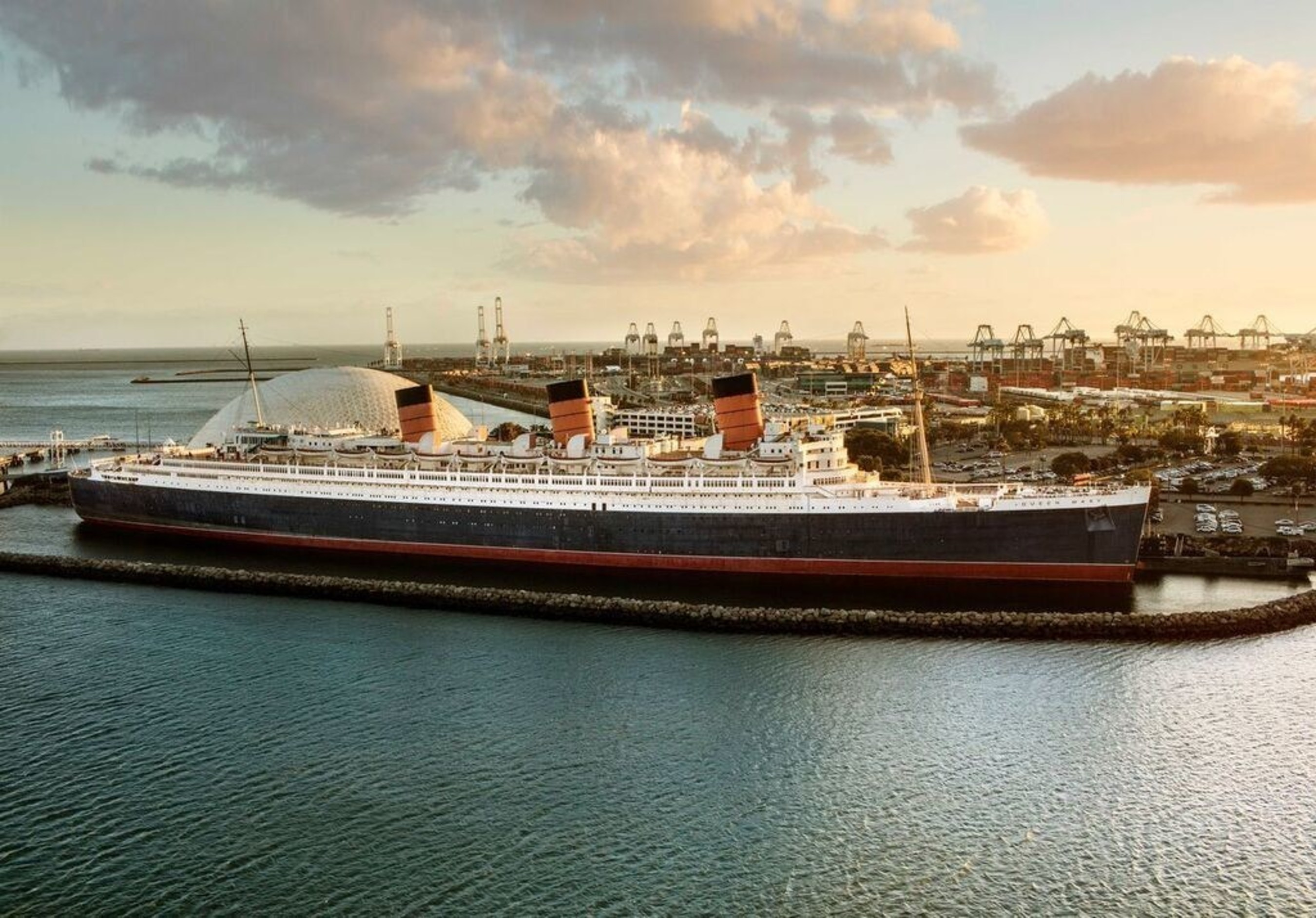 The Queen Mary Hotel Named A Top