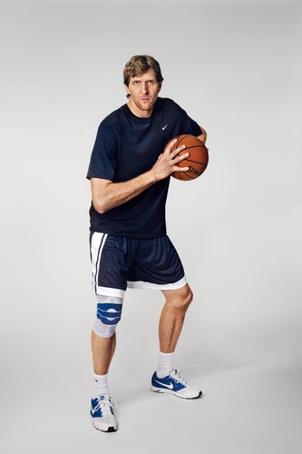Dirk Nowitzki, wearing the knee support GenuTrain in the picture, has been knowing Bauerfeind products for years (PRNewsFoto/Bauerfeind AG) (PRNewsFoto/Bauerfeind AG)