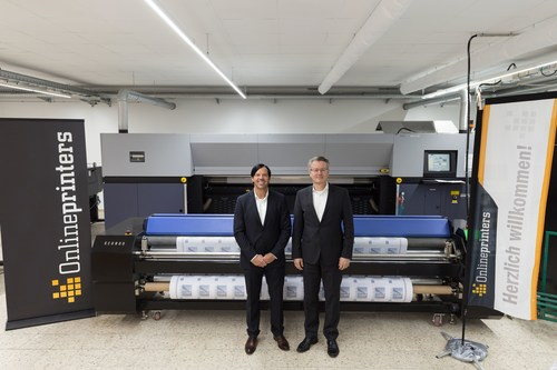 Large format printing at Onlineprinters Description: The executive team of the printing experts: company ...