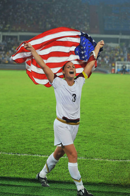 Christie Rampone the Ultimate Soccer Mom Promotes FRS Healthy Performance Products.  (PRNewsFoto/The FRS Company)