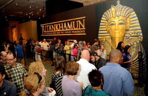 Opening day visitors queue to enter the exhibition Tutankhamun: The Golden King and the Great Pharaohs at the Museum of Fine Arts, Houston, on Oct. 16.  (PRNewsFoto/National Geographic Society, Dave Rossman)