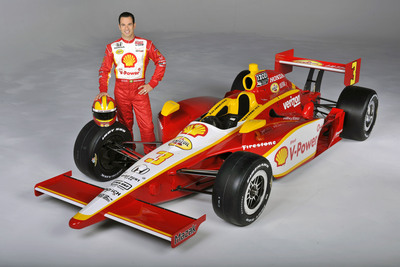 Three-time Indy 500 champion Helio Castroneves and the No. 3 Shell V-Power(R)-Pennzoil Ultra(TM) Dallara/Honda.    (PRNewsFoto/Shell Oil Company, Brian Czobat)