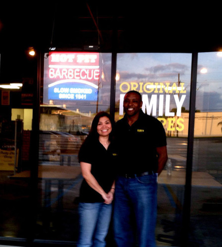 New Dickey's Barbecue in New Orleans opens this week with a 3-day celebration. (PRNewsFoto/Dickey's ...