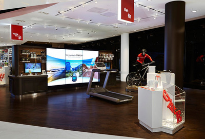 The Verizon Destination Store opened at Mall of America today showcasing technology for the mobile lifestyle. The Get Fit Zone, pictured, is one of six Lifestyle Zones in the store through which customers can interact with and experience mobile technology first-hand. (Photo credit: Brandon L. Jones)  (PRNewsFoto/Verizon Wireless)