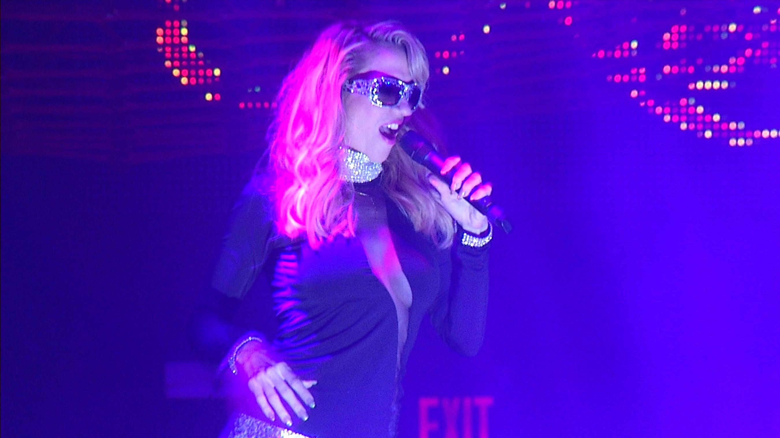 EDM-Prinzessin Noelia heizt Miami Beach bei Auftritt auf der sexiesten Neujahrsparty ein