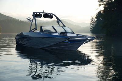 The A24 boasts a large capacity and family-friendly layout, while also delivering world-class wakes and responsive handling. The hull is designed for the family or crew that wants to experience it all; with new technology that enhances the performance and versatility of the wakeboarding and wakesurfing experience. This 24-foot boat is positioned for budget-conscious enthusiasts and families looking for space, performance, versatility and affordable essentials.  (PRNewsFoto/Axis Wake Research)