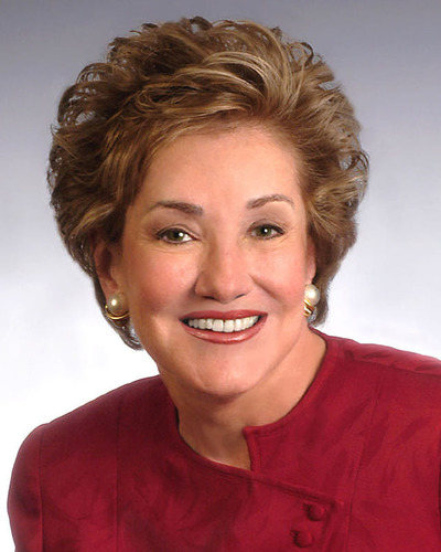 National Safety Council recognizes the Honorable Elizabeth Dole with Flame of Life Award