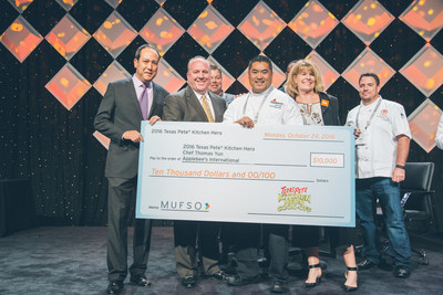 from l-r: Kent Scholla, Dir. Sales Penton Resturant Group, Steve DeCorte, Ex. VP-Sales Garner Foods, Winner Chef Thomas Yun Ex. Chef Menu/Culinary Applebees International, Diana Hovey- No Kid Hungry