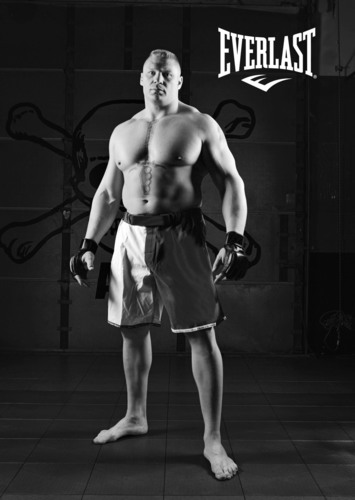 EVERLAST AND MMA SUPERSTAR BROCK LESNAR AGREE TO EXCLUSIVE CONTRACT.  (PRNewsFoto/Everlast Worldwide Inc.)