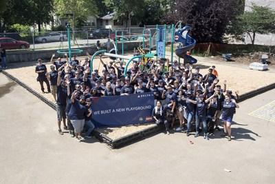 Delta people participate in Minneapolis/St. Paul KaBOOM! build. (PRNewsFoto/Delta Air Lines)