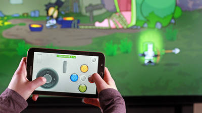 GestureWorks Gameplay Version 2, shown here with Castle Crashers, allows up to four players to interact using Android phones or tablets. (PRNewsFoto/Ideum) (PRNewsFoto/IDEUM)