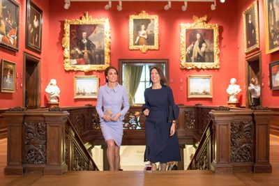 The Duchess of Cambridge and director Emilie Gordenker in the Mauritshuis, The Hague (Photo credits: Ivo Hoekstra, Mauritshuis, The Hague). (PRNewsFoto/Den Haag Marketing)