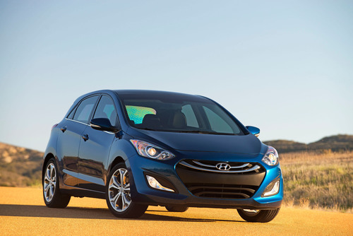Hyundai Motor America Launches 2014 Elantra GT at Los Angeles Auto Show.  (PRNewsFoto/Hyundai Motor America)