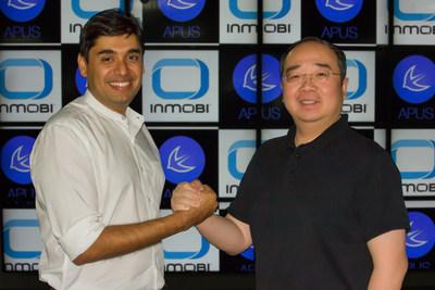 InMobi and APUS Announce Strategic Partnership: (Left) Naveen Tewari of InMobi and (Right) Li Tao of APUS, shake over strategic agreement in Bangalore.
