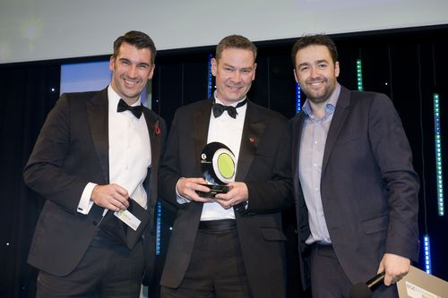 Lee McQueen and Jason Manford with the 2012 Field Sales Executive winner (PRNewsFoto/The National Sales Awards)