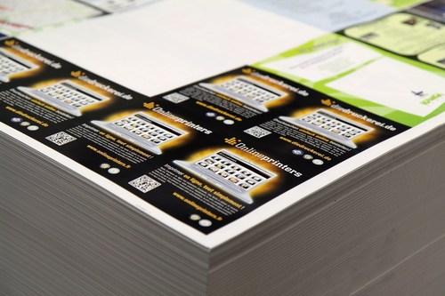 Volantini nella cosiddetta forma collettiva di Onlineprinters.it (PRNewsFoto/Onlineprinters)