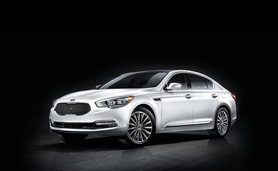 "The Kia K900 challenges the ""Preconceived Notions"" of what makes a luxury sedan by offering more performance, appeal, and cutting-edge tech than its competition. (PRNewsFoto/Bill Jacobs Kia) (PRNewsFoto/BILL JACOBS KIA)"