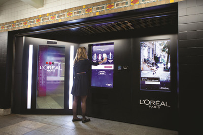 L'Oreal Paris Intelligent Color Experience.  (PRNewsFoto/L'Oreal Paris)