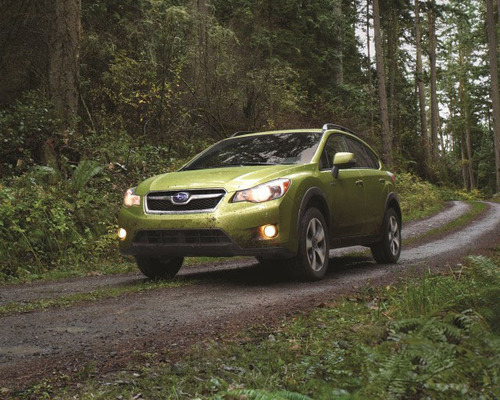Features of the 2014 XV CrossTrek Hybrid make it practical for both on and off-road driving.  (PRNewsFoto/Briggs Auto Group)