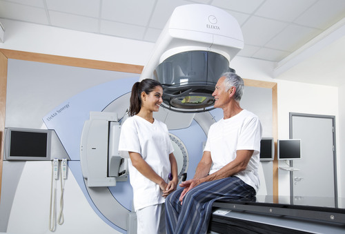 The James Cook University Hospital demonstrates nearly 41 percent reduction in beam delivery time with Elekta's Agility Beam-shaping solution with VMAT.  (PRNewsFoto/Elekta)