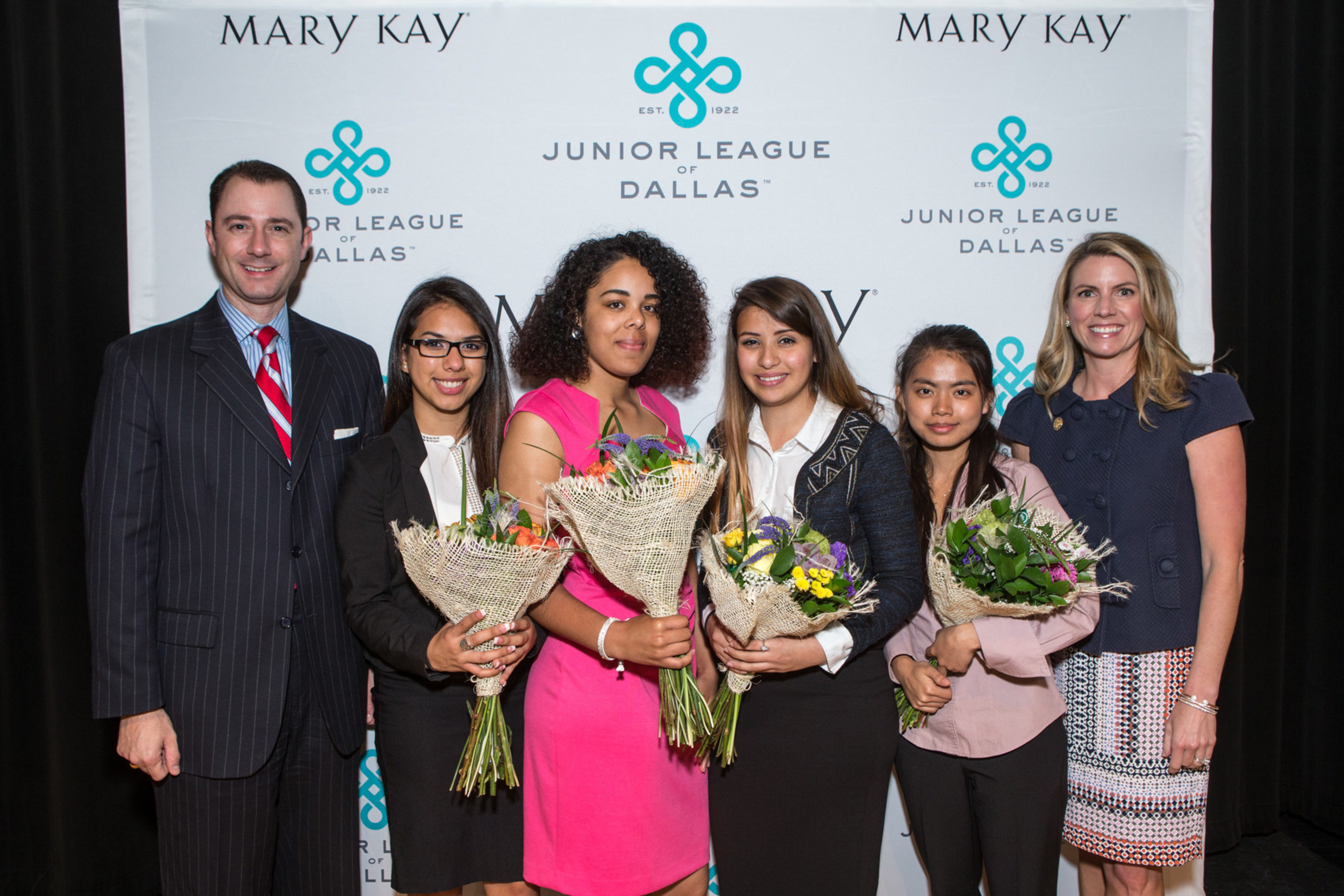 Four deserving Dallas Independent School District high school seniors are one step closer to pursuing their dreams of higher education as the Junior League of Dallas (JLD) and Mary Kay Inc. announce the recipients of the second annual Women LEAD (Learn • Excel • Achieve • Dream) Scholarship Program.