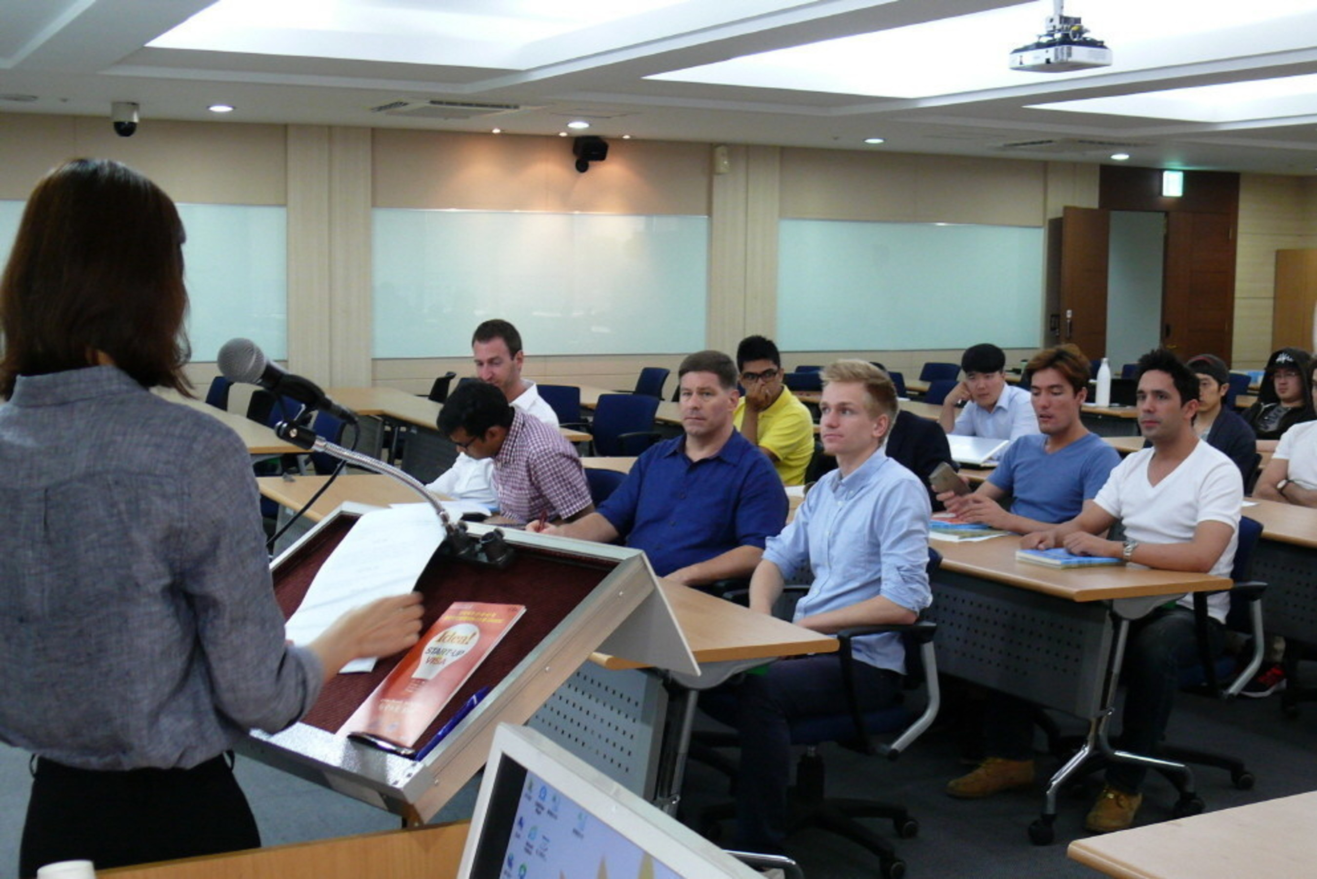Foreigners who want to launch start-up business in Korea participated in Advanced Intellectual Property Course (OASIS-2) held from 17th to 22nd.