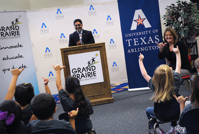 UT Arlington President Vistasp Karbhari and Grand Prairie ISD Superintendent Susan Hull announce Bound for Success, an early college admissions initiative (PRNewsFoto/The University of Texas at ...)
