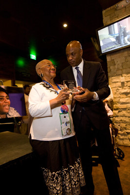 Lamell McMorris honors Rev. Barrow with a Civil Rights Icon Award at a Democratic National Convention reception in Denver, CO. (August 26, 2008)