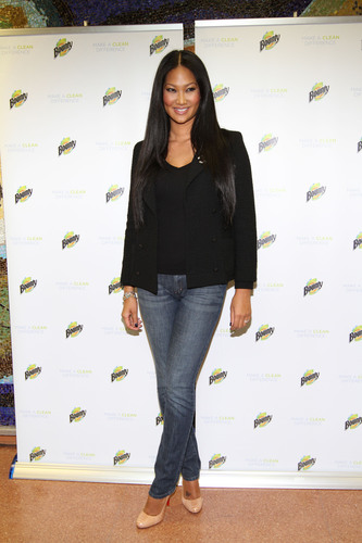 Kimora Lee Simmons is Bringing Catwalk Couture Into the Classroom With $50,000 Bounty Makeover