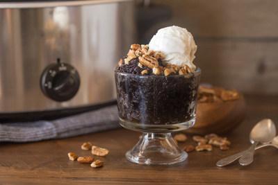 Slow Cooker Chocolate Pecan Pie Cake